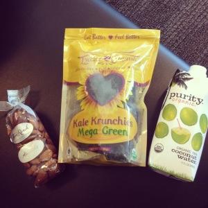 The-Organic-Beauty-Healthy-Travel-Snacks